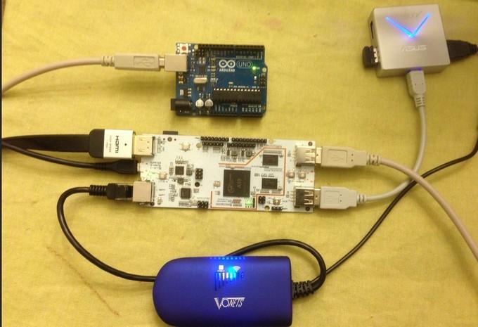类树莓派开发板pcDuino可兼容Arduino生态系统,更方便的试验软硬结合项目