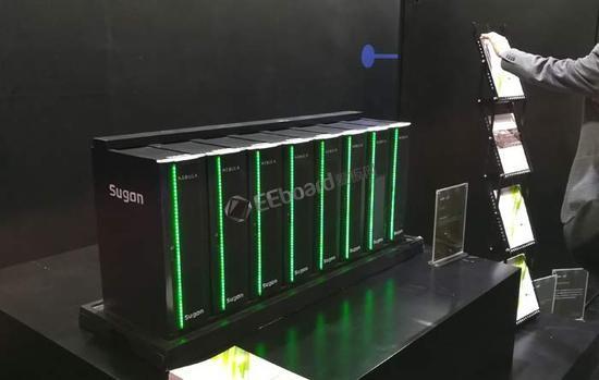 """中國研制首款搭載寒武紀AI芯片的人工智能服務器,命名為""""Phaneron"""""""