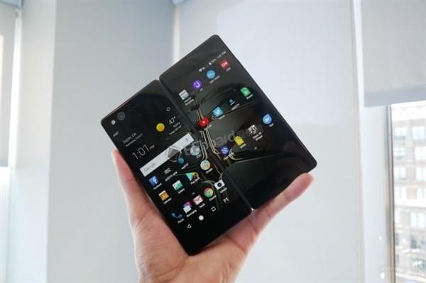 中興發布可折疊屏手機AXON M,攝像頭可折疊前后共用