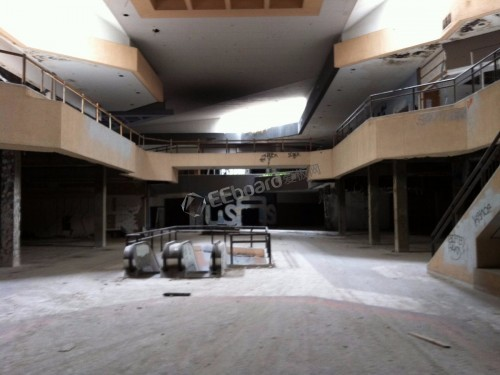 visits-to-malls-declined-by-50-from-2010-to-2013-according-to-the-real-estate-research-firm-cushman-and-wakefield