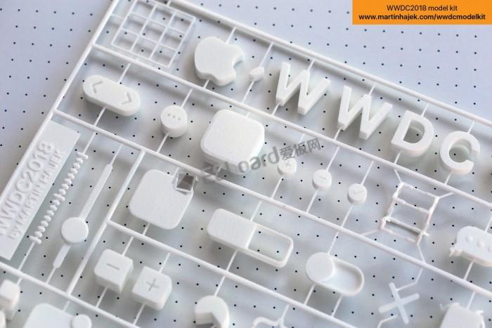 去不成WWDC?没关?#25285;?#21681;拼个3D邀请函玩玩呗