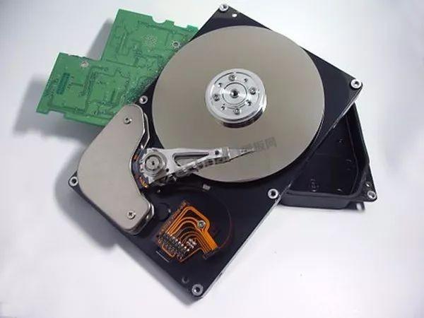 將傳統硬盤的存儲密度提高一百倍以上,分子存儲了解一下!