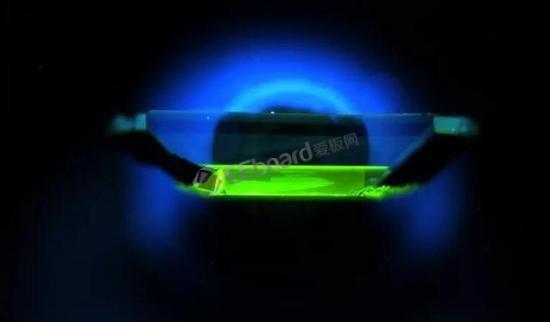 一种含有杂质的钻石或许将在未来的量子技术