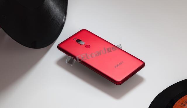 魅族Note8拆解:刷新了我们对千元级国民拍照手机的印象