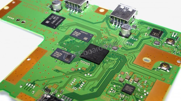 索尼?#23576;?#36855;你PS1主机PlayStation Classic:ARM芯片和定制PCB