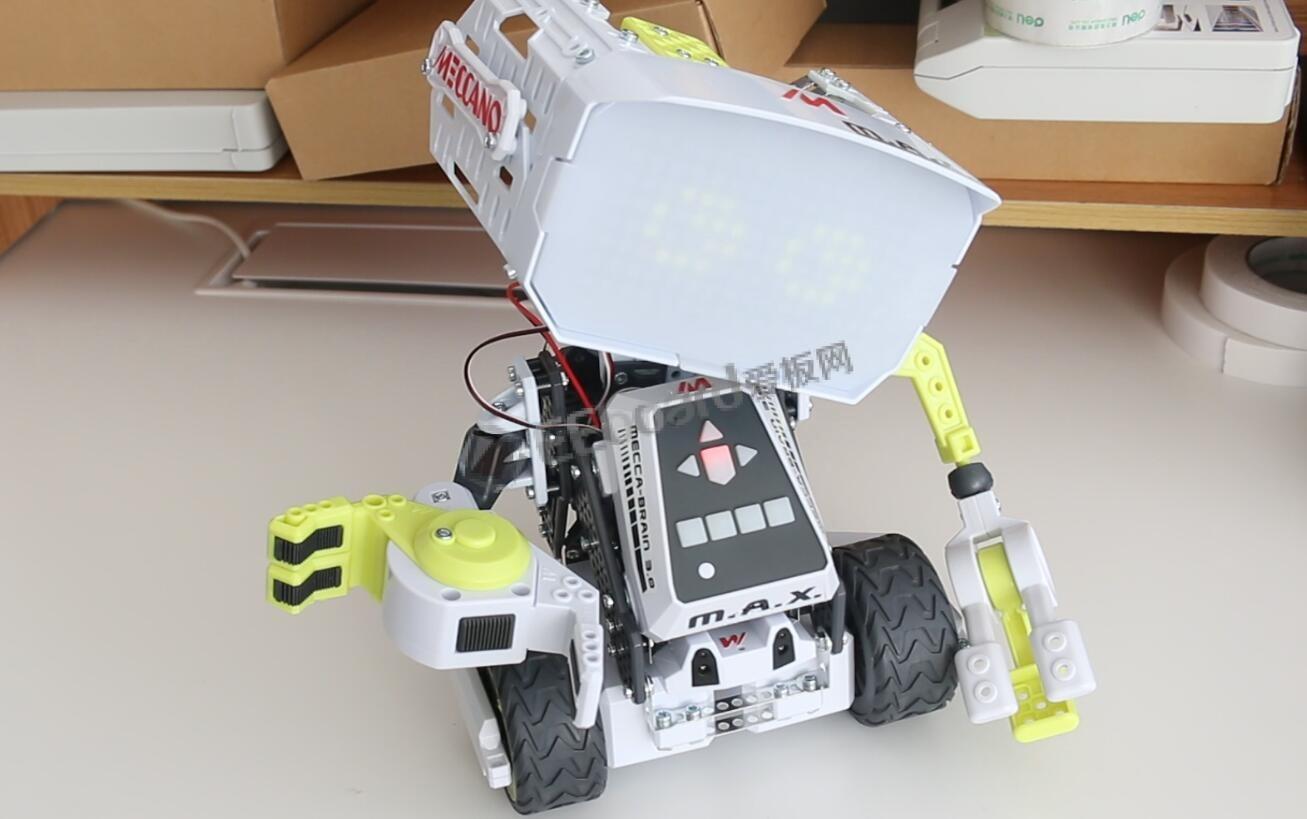 加拿大血统的组装AI机器人MAX试玩体验