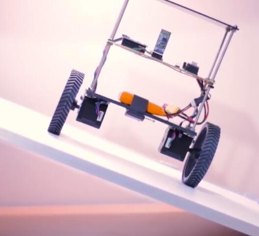 【项目?#22363;獺?#20351;用Arduino制作自动平衡机器人(附?#21019;?#30721;)
