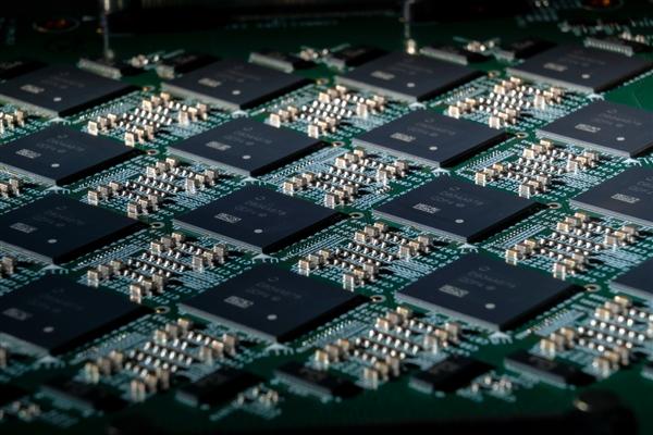 16384颗芯片互连,Intel为构建神经网络丧心病狂
