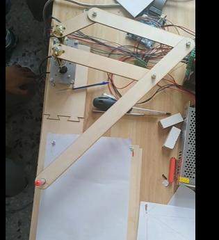 [项目演示]听说用几根杆就能做出一个绘图机器人?