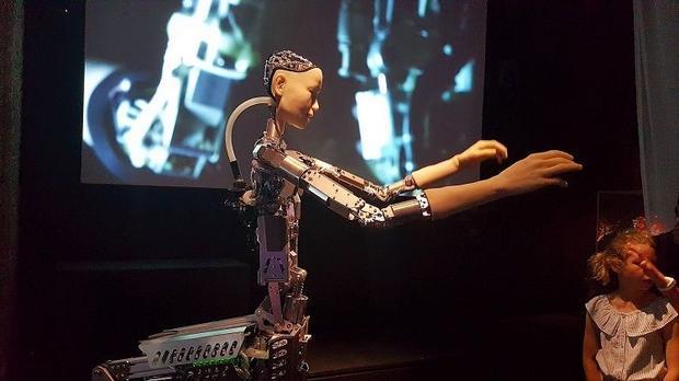 """AI-超越人类""展览,颠覆你的世界观"