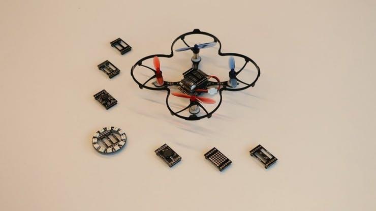 掌上無人機DIY:精致小巧、具有避障和手動控制功能的無人機