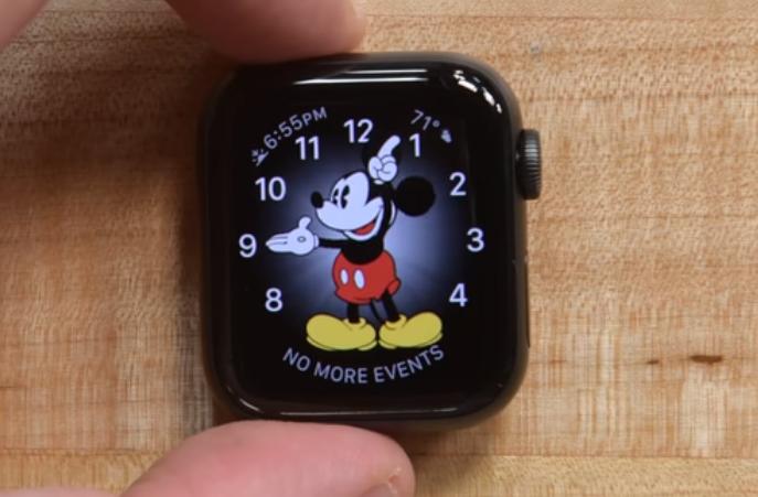 Apple Watch 5视频拆解:永远显示噱头大于实用,续航依旧短板