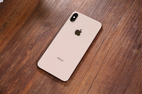 解决信号问题,新iPhone都将搭载性能优异的LCP天线