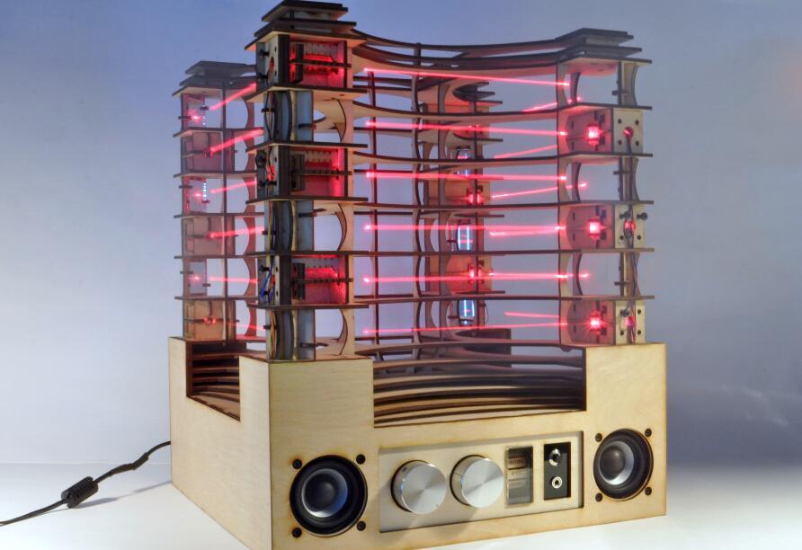 diy一個具有互動潛能的立式激光豎琴